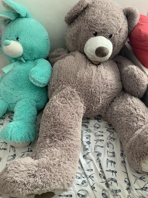 5 Ft. Teddy bear and 3 ft. Bunny for Sale in Burbank, CA