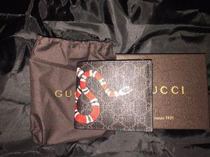 Gucci snake wallet black for Sale in San Jose, CA