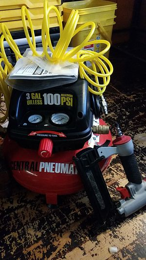 Air compressor and hose, finish nailer and stapler 2in1 for Sale in Worcester, MA