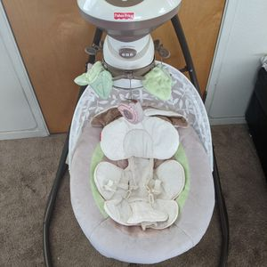 Fisher Price Baby Swing for Sale in Orland, CA