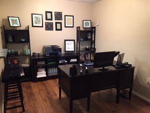 Full Home Office: Black desk, Console/Printer table, and Bookshelves for Sale in Union Park, FL