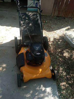 Strong lawnmower for Sale in Fontana, CA