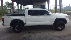 2017 Toyota Tacoma TRD for Sale in Hialeah, FL