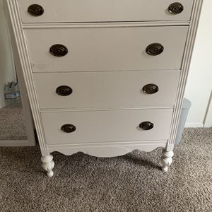 Vintage White Dresser for Sale in Snohomish, WA