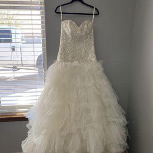 Wedding Dress And Flower Girl Dress for Sale in Hesperia, CA