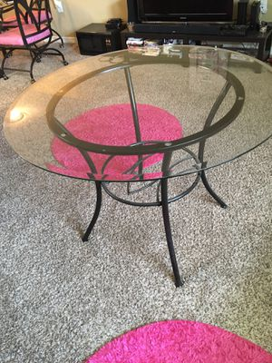 Dining room table for sale $30 for Sale in Tampa, FL
