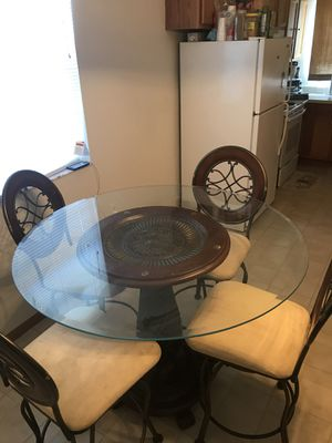 Dining Room Table for Sale in Lake Wales, FL