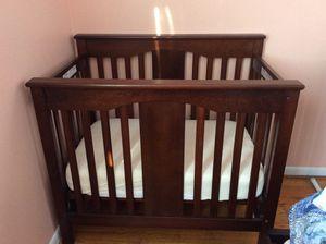 DaVinci Annabelle 2-in-1 Mini Crib and Twin Bed, Espresso for Sale in Damascus, MD