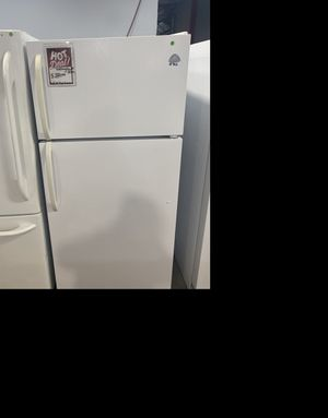 Westinghouse 30 inch top/bottom fridge #902 for Sale in South Farmingdale, NY