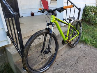 Mountain bike for Sale in LAUREL PARK,  WV