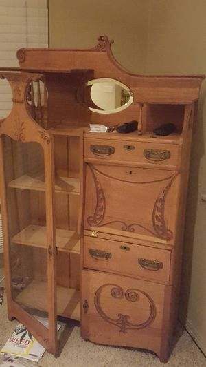 Antique china cabinet for Sale in Vancouver, WA
