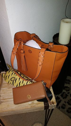 Brand new tory birch purse and wallet for Sale in Renton, WA