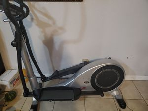 Lifecore 985 VG Elliptical for Sale in San Diego, CA