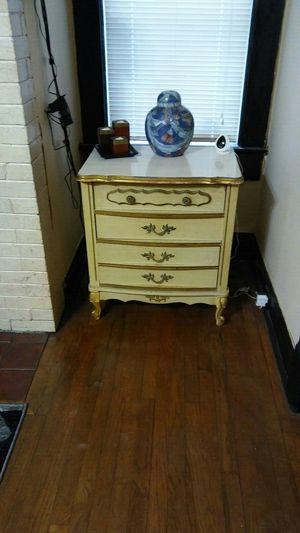 White french provincial dresser for Sale in Murfreesboro, TN