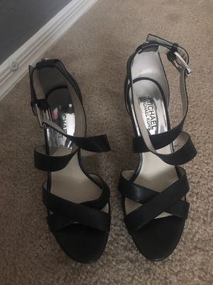 Micheal kors wedged heel size 7 for Sale in Phoenix, AZ