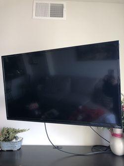 """40"""" Vizio Smart TV - 1080p; Great Condition for Sale in McLean,  VA"""