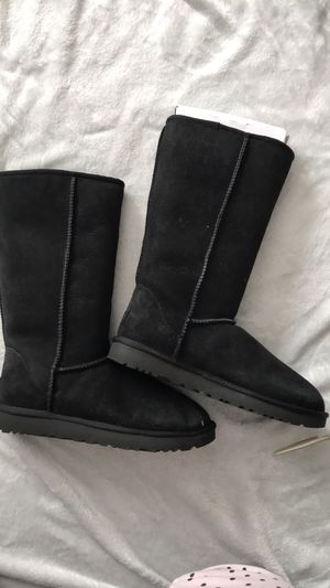 New Never Worn UGGS for Sale in Hilliard, OH
