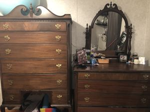 Antique dresser set for Sale in Knoxville, MD