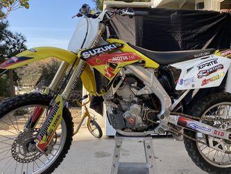 2007 Suzuki Dirt Bike for Sale in Colton,  CA