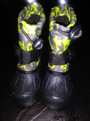 Kids snow boots 6c for Sale in Baltimore, MD