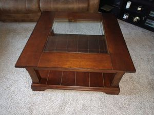 4'x4' Ashley Coffee Table with glass insert for Sale in Bend, OR