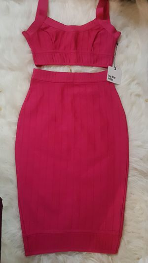 NEW WITH TAGS HOT PINK ZIP PENCIL SKIRT AND ZIP TOP for Sale in Chicago Heights, IL