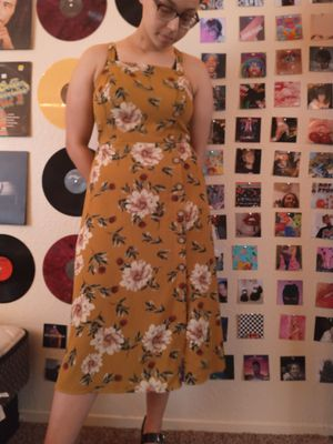 Yellow floral dress for Sale in Modesto, CA