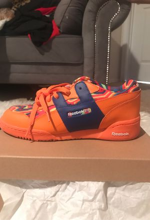 REEBOK CLASSIC ORANGE/DRK ROYAL- M 6.5 for Sale in Manor, TX