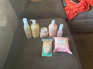 Burts bees, equate and hairitage beauty products bundle for Sale in Bakersfield, CA