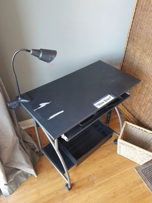 Small work desk. for Sale in Kailua-Kona, HI