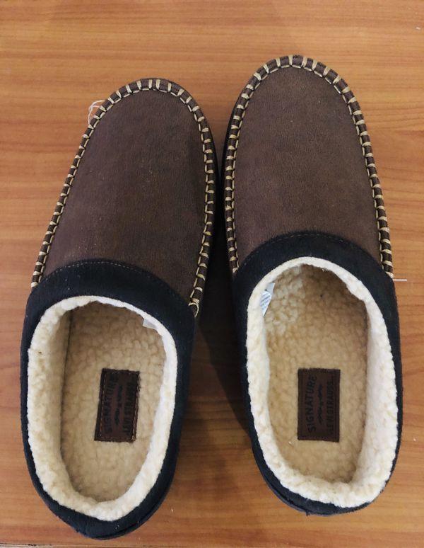 Levi's comfy shoes - size 9/10 - never worn