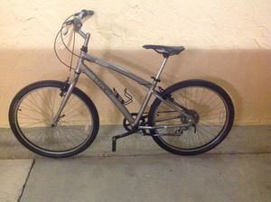 BICYCLE TREK 7 SPEED EXCELLENT CONDITION for Sale in Miami, FL