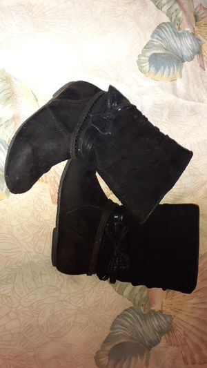 Size 10 girls boots for Sale in East Brunswick, NJ