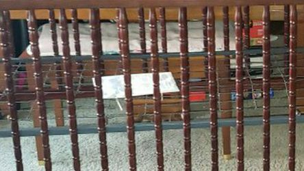 Vintage Style Baby Crib And Changing Table Set for Sale in Hayward,  CA