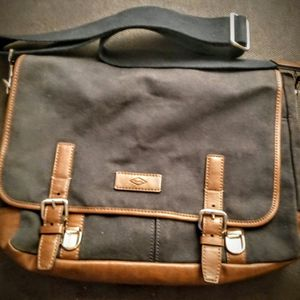 FOSSIL Canvas Messenger Bag NEW for Sale in Houston, TX