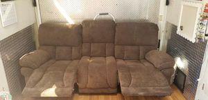 Reclining sofa for Sale in Baldwin Park, CA
