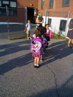 Little Girls Minnie mouse backpack for Sale in Lynn, MA