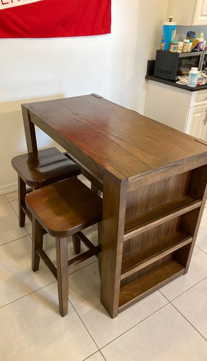 Kitchen table w/4 chairs - Ashley Furniture for Sale in Hollywood, FL
