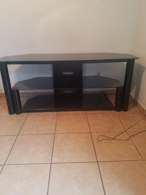 Tv. Stand 65' for Sale in Visalia, CA