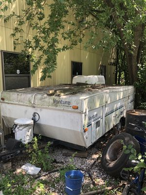 1999 venture Starcraft pop out camper for Sale in Austin, TX