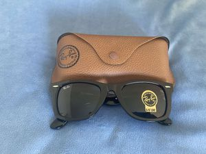 Brand New Authentic Wayfarer Sunglasses for Sale in Long Beach, CA