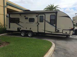 BELLO TRAILER EXCELENTE CONDICIONES for Sale in Hialeah, FL