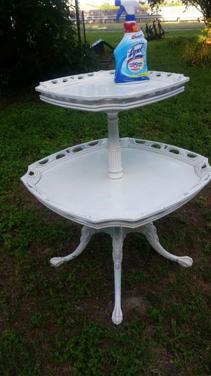 Antique two-tier table for Sale in Austin, TX