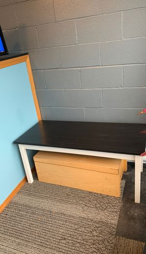 Entry way bench/coffee table for Sale in Burien, WA