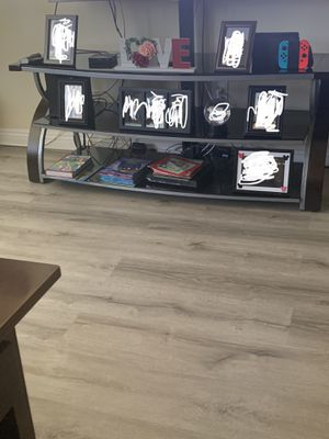 Tv stand for Sale in Pomona, CA