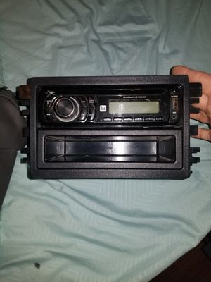 Dual car stereo and two small speakers with two built in tweeters for Sale in Harrisburg, AR