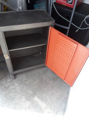 TOOLS BOX METAL for Sale in Las Vegas, NV