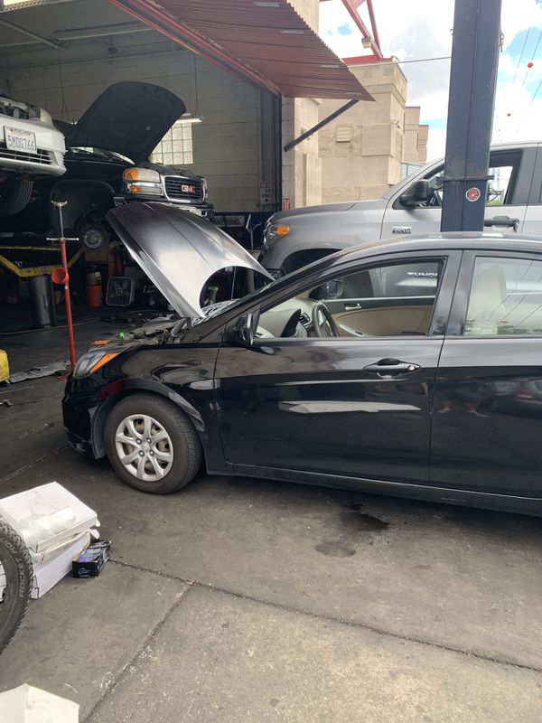 2012 Hyundai Accent GLS - 2nd owner - no accidents and full CARFAX available.