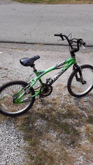 Next chaos boys bike full size for Sale in Indianapolis, IN