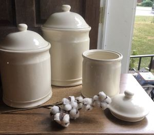 CHEFS Fresh Valley Farmhouse Earthenware Canister - Set of 3 for Sale in Richmond, VA